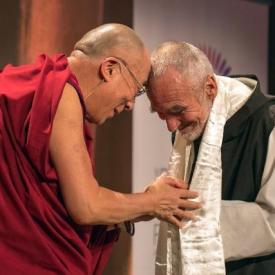 Brüder im Geist: David Steindl-Rast mit S. H. dem Dalai Lama 2012 in Boston