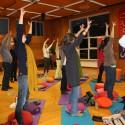 Teilnehmer bei Yoga-Übungen