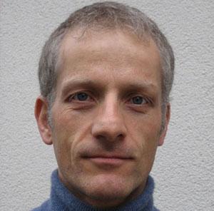 Dr. Axel Brintzinger