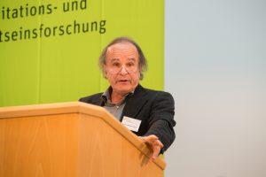 """Michael von Brück sprach über """"Das meditative jetzt""""."""