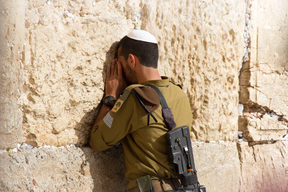 Religionen zwischen Krieg und Frieden
