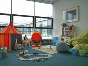 Bei MaibornWolff können Mitarbeiter kranke Kinder mit zur Arbeit nehmen.